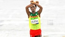 Marathon runner Feyisa Lelisa  will not lose Olympics silver for OromoProtests gesture